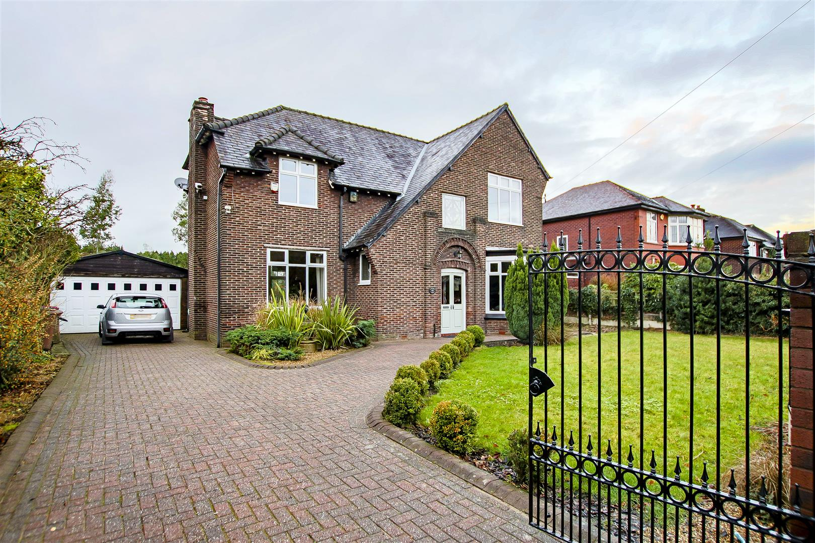 4 Bedroom Detached House For Sale - 57.jpg